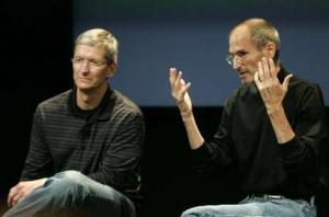 Tim Cook (then COO), the new master, at the side of THE Master